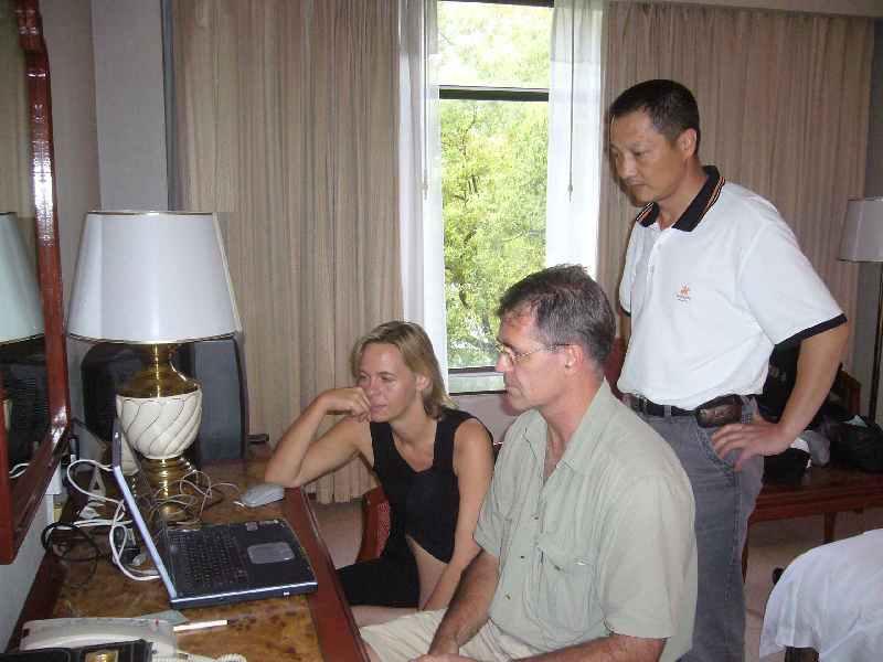 05 Liesl Gini & Chris Visser playing in Guilin